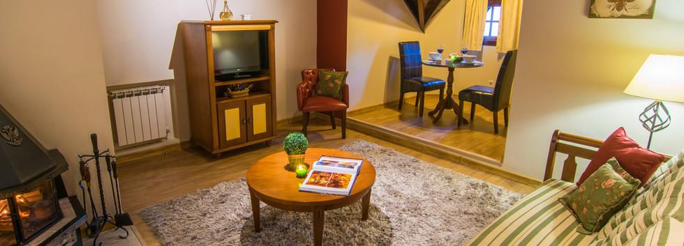 RecantoDaSerra. Sala Suite .Foto3.jpg