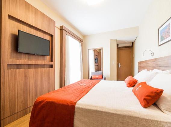 hotel laghetto vivace viale4.jpg