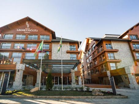 Quais hotéis estão abertos em Gramado?