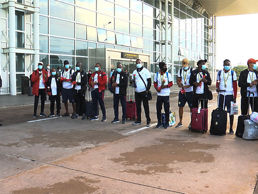Mozambique: Hundreds gather to welcome national Beach Soccer team at Maputo airport