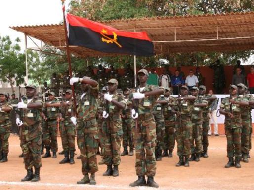 João Lourenço propõe enviar 20 assessores militares para Moçambique