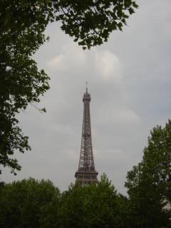 初めての海外で、パリ語学留学へ