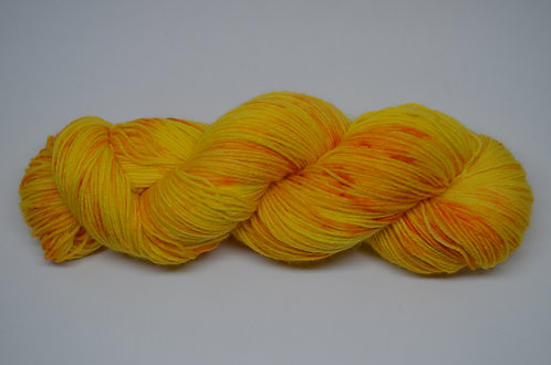 Daffodilly - dyed to order