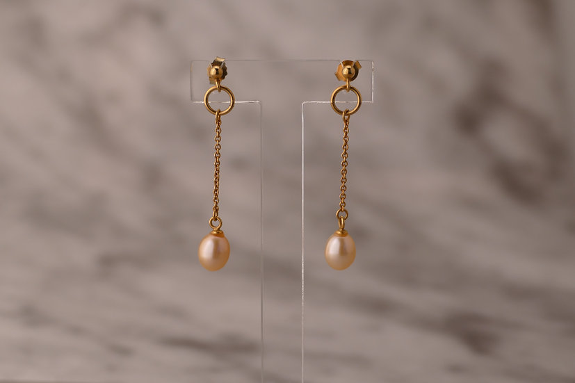 LONG EARRING WITH PEARL
