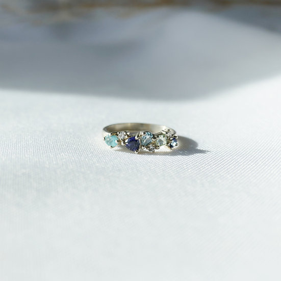 Ring diverse blauwe stenen