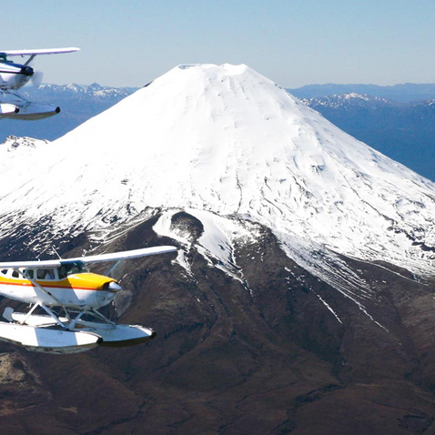 Taupo Scenic Flights by Floatplane