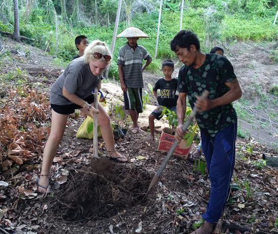 Tree planting in Loe village
