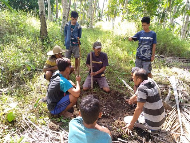 Tree planting training Lembanato