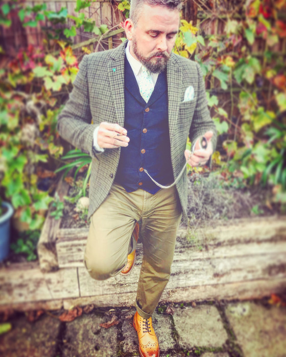 Dapper as can be
