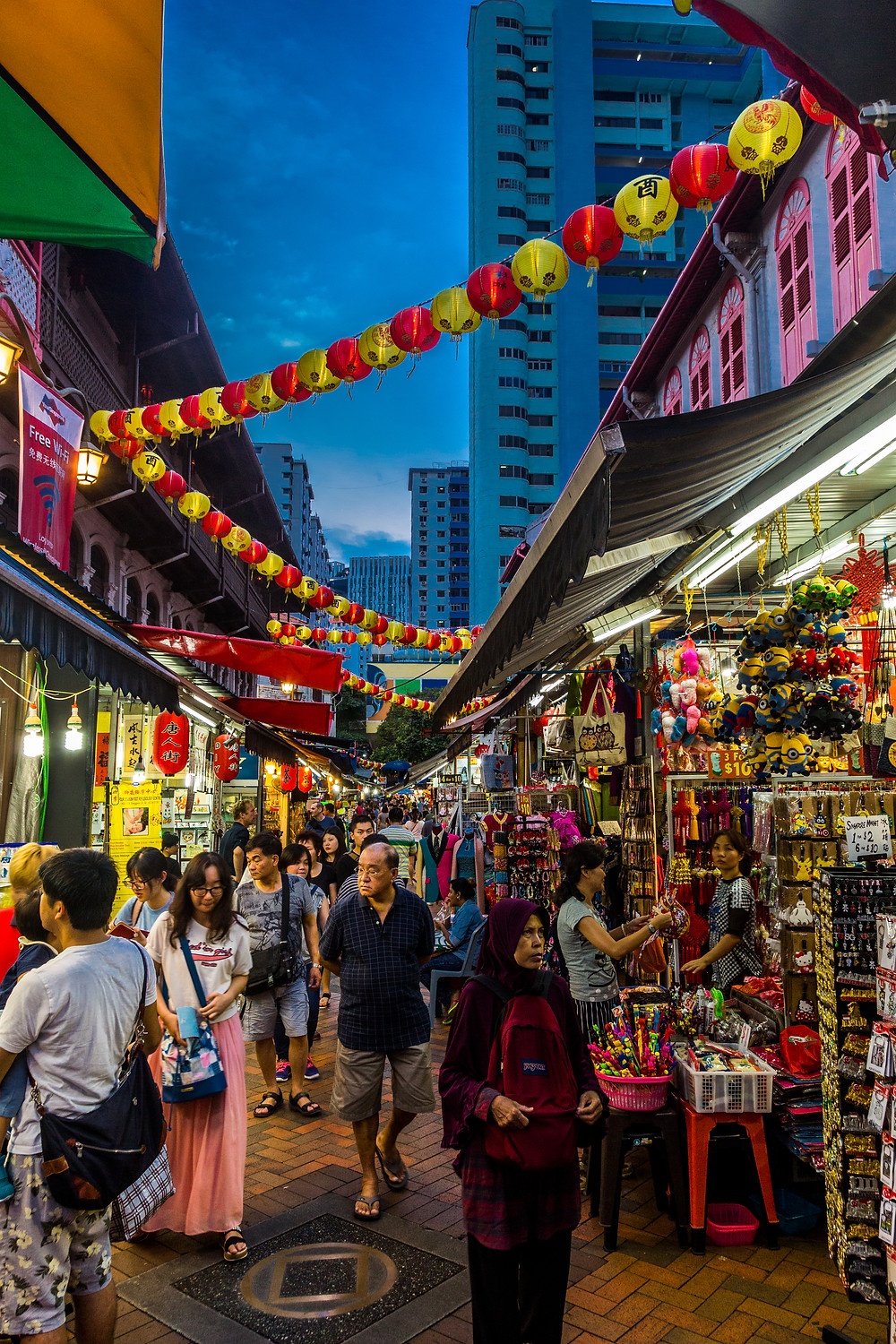 Singapore Stopover: Dusk in Chinatown