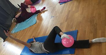 Yoga, Etirements, Barre au Sol, Barre à Terre, Pilates, Swiss Ball