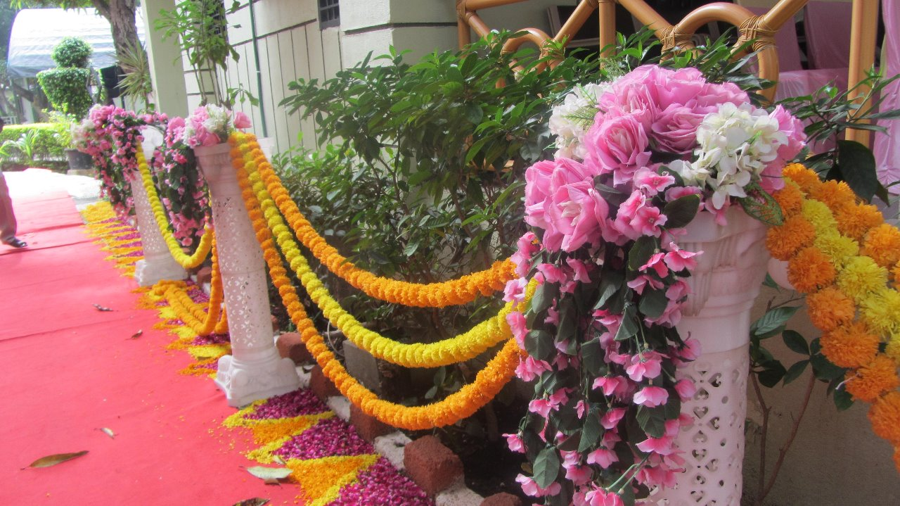 Weddings at Saavaj | Flower decor