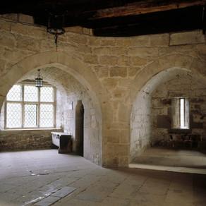 Когда появились первые балконы?