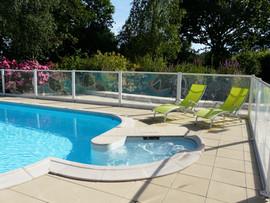 piscine extérieure privée
