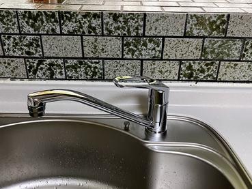 キッチン水栓の交換で食器洗いもラクラク!!水栓交換    日高市高萩