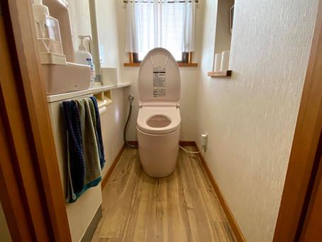 便器跡がスッキリ解消して雰囲気も一新! トイレ床張り替え 飯能市岩沢