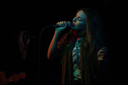 kaylee-robin-singer-laced-in-blue-prospector-long-beach-california-lbc-band-microphone-scarf