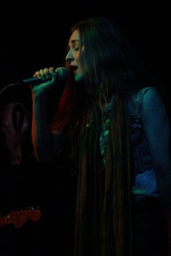 kaylee-robin-singer-laced-in-blue-prospector-long-beach-california-lbc-band-singer
