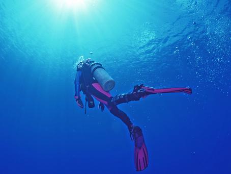 Dicas de mergulho preciosas para sua flutuação debaixo d'água