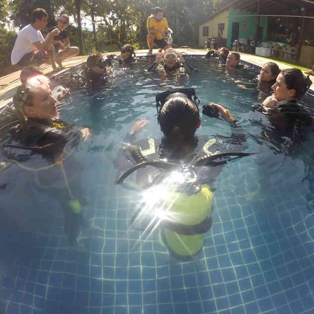 Curso de mergulho na Piscina