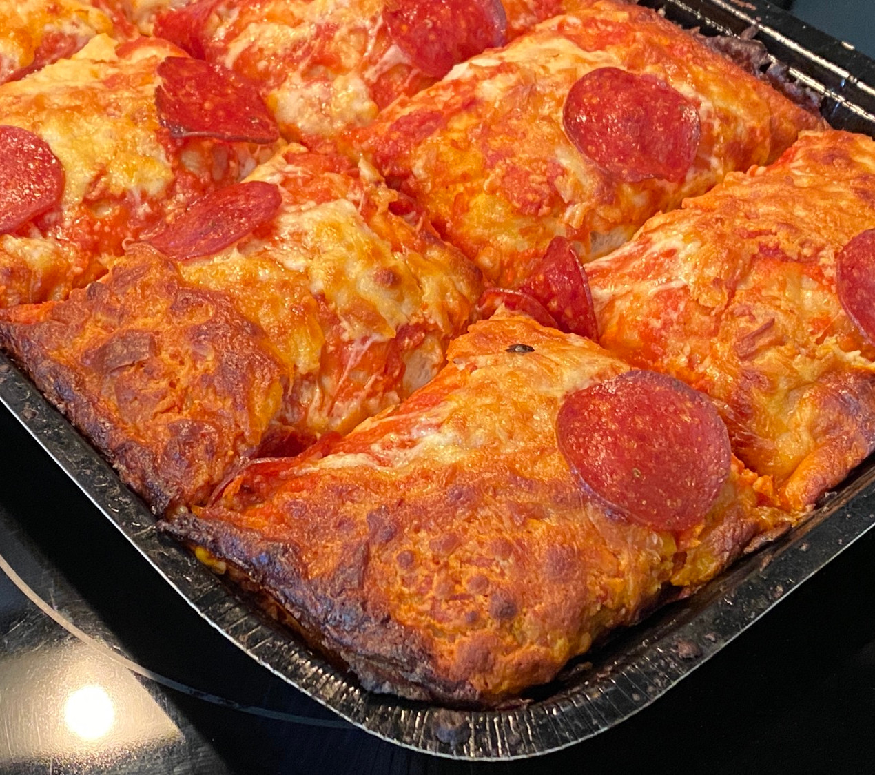 crispy edges in home oven pan pizza