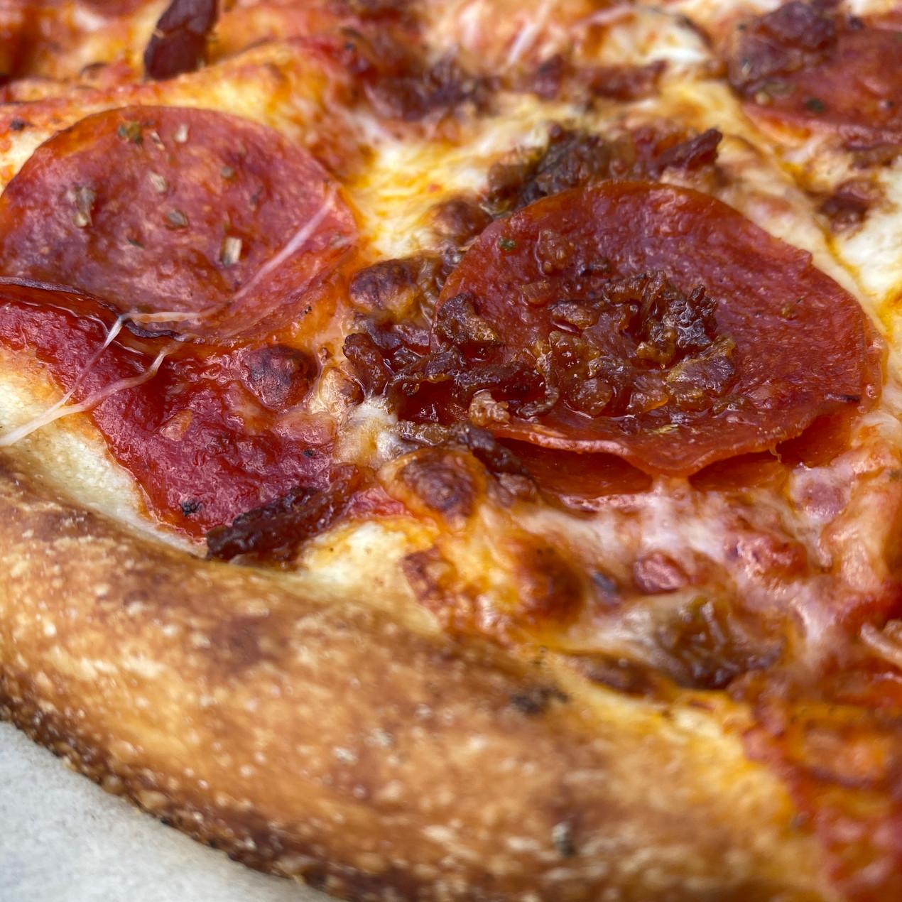 blaze pizza pepperoni detail photo close up