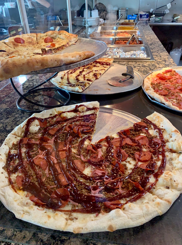 bbq meatlovers amore pizza zionsville