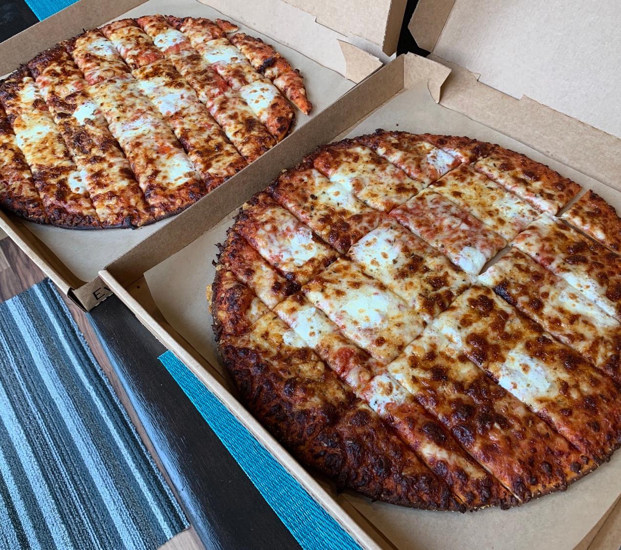 donatos specialty 4 cheese pizza