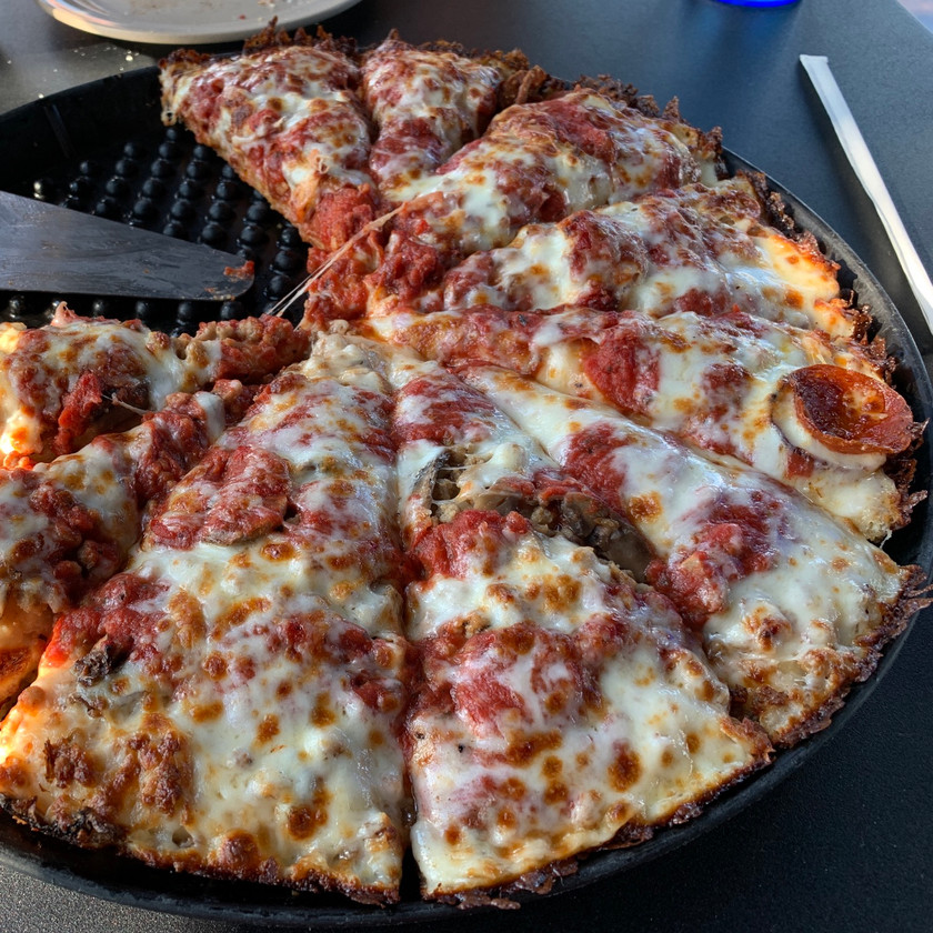 Chicago's pizza fishers central indiana