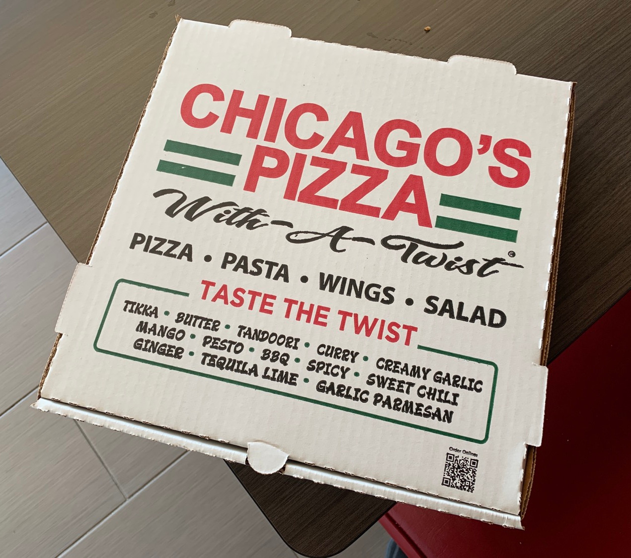 chicago's pizza with a twist box