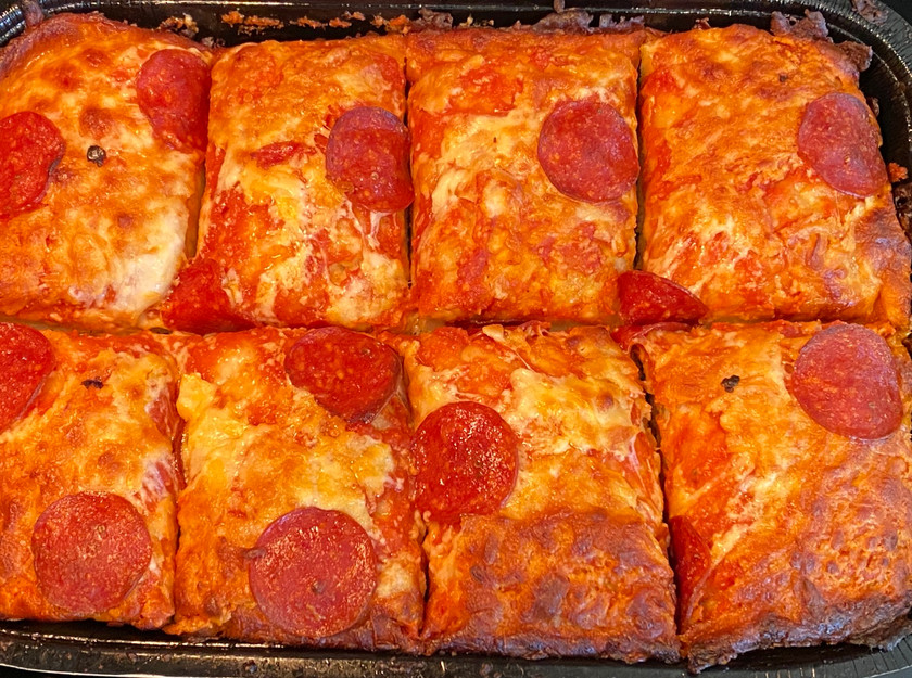 top view pepperoni pan pizza from digiorno