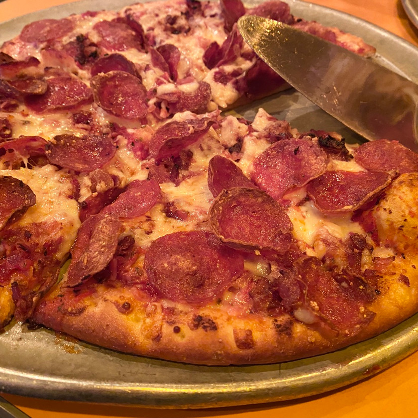 pepperoni bacon pizza from puccini's