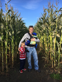Beans & Greens Farm - cornmaze dad and kids