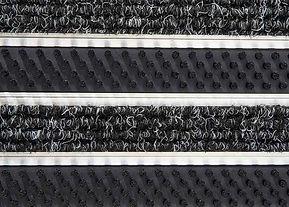 Fußmatte mit Bürsten und Teppich-Rips
