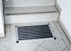 Fußabtreter mit Aluminiumrahmen