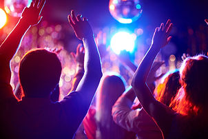 Ballando in un locale notturno
