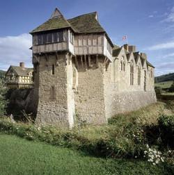 stokesay-castle
