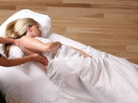 การนวดสตรีมีครรภ์ (Pregnancy massage)