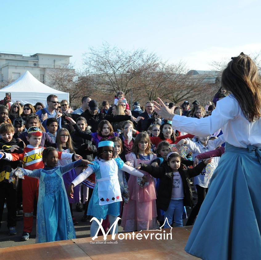 Notre Alice fait danser les enfants!