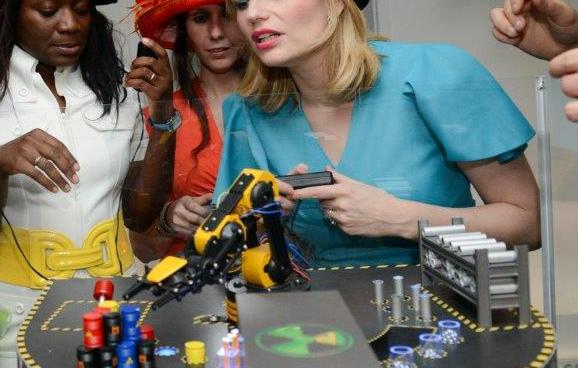 manipulation_de_robots_teleguider_à_vous_de_jouer!