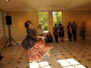 Atelier de contre-danse à la Villa Cathala par Acta Fabula