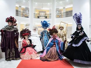 Les Somptueux et les Femmes Fleurs au Carnaval du casino Blotzheim