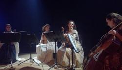 Quatuor de violons en concert