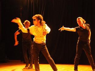 Représentation aux Scolaires du spectacle Me, Michael & Moi à l'espace Jacques Brel de Romai