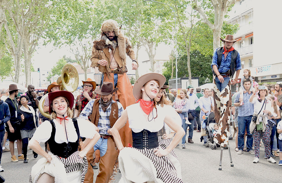 en parade western saloon .JPG