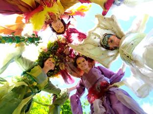 Retour sur nos événements : Farandole d'échassiers à la Fête des Mômes de Ste Geneviève des Bois