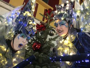 Retour sur le Noel de Sens avec nos échassiers lumineux Lucioles et Fééries
