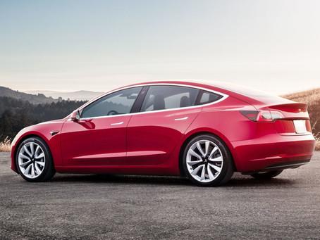 Tesla: Netflix & YouTube in de auto