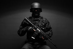 police-officer-with-weapons-PWA9RYP.jpg