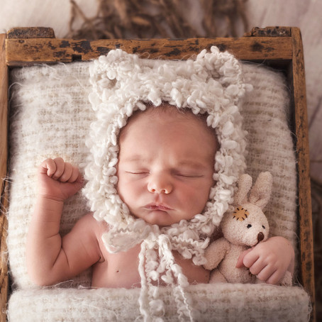 NEWBORN PHOTOGRAPHY WITH THYME & IVY STUDIOS